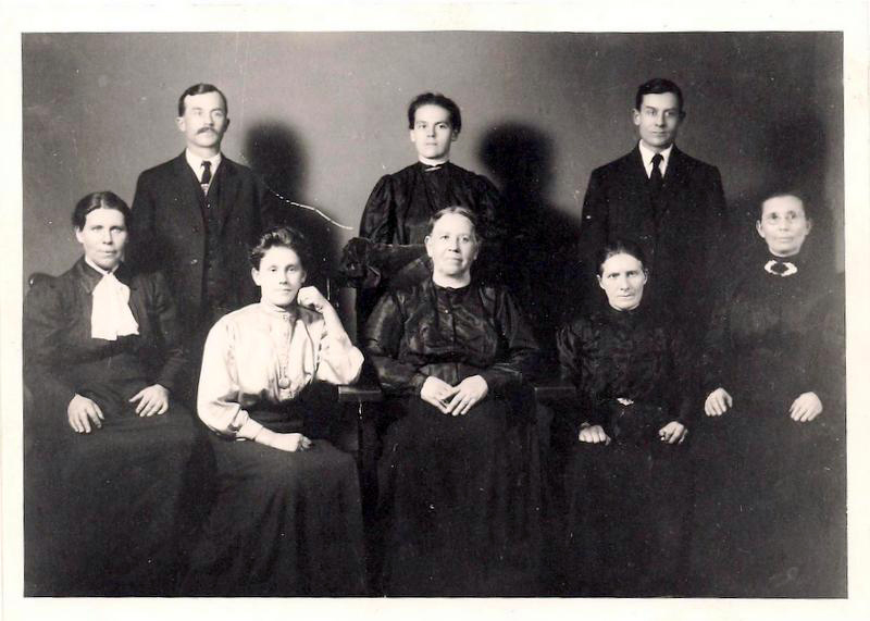 Photograph of Anna Maria (Emma) Klaus with her children. Back row from left to right: John, Margaret and Adam. Front row from left to right: Margaret Krieger, Elizabeth, Anna Elizabeth and Annie Klaus (the daughter of Henry Klaus and his first wife, Katharina Yost). Photograph courtesy of Karen Drier Esayian.