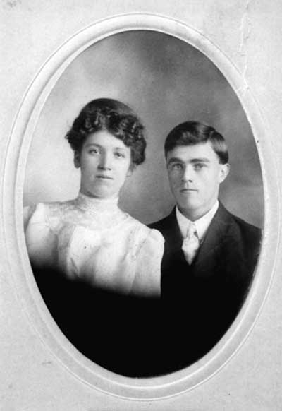 Anna Marie Scheidemann and Clarence Cluster Wedding Photograph - 1908