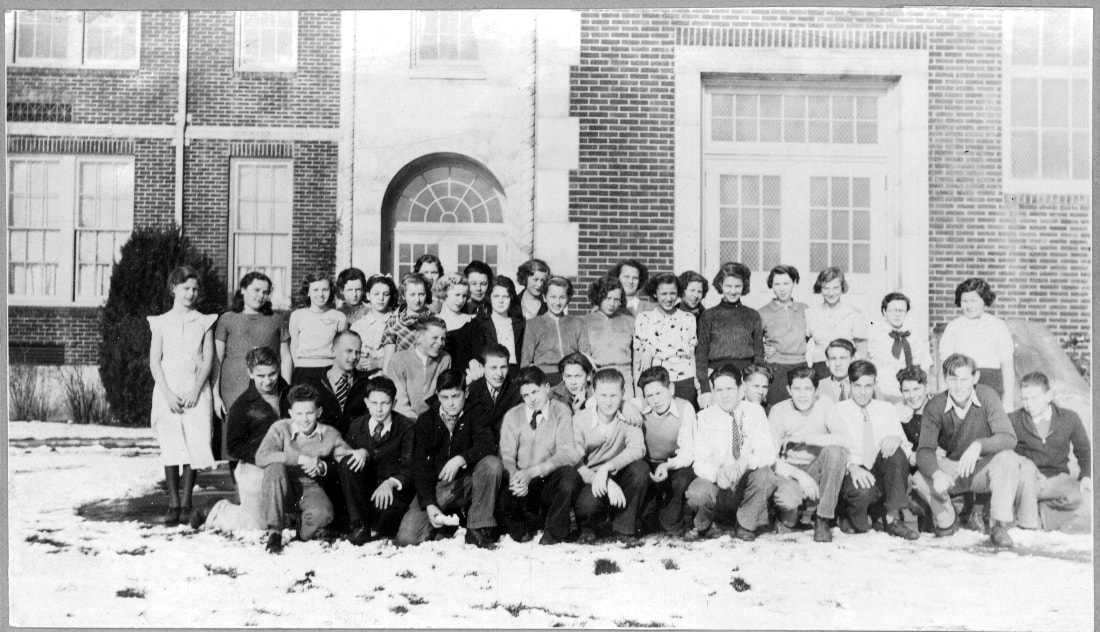 The January 1935 Sabin School graduating class.
